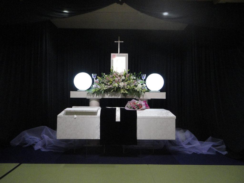 大阪市立北斎場にてキリスト教での葬儀施行事例です。福祉葬のプラン内容で対応しました。